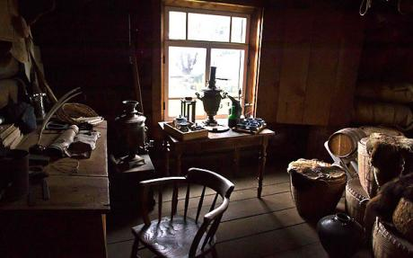 Fort-Ross-room_1677623c