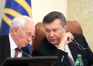 Янукович-принял-отставку-Азарова