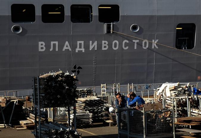 """Десантный корабль """"Владивосток"""" класса """"Мистраль"""" в доках французской компании SNX France"""