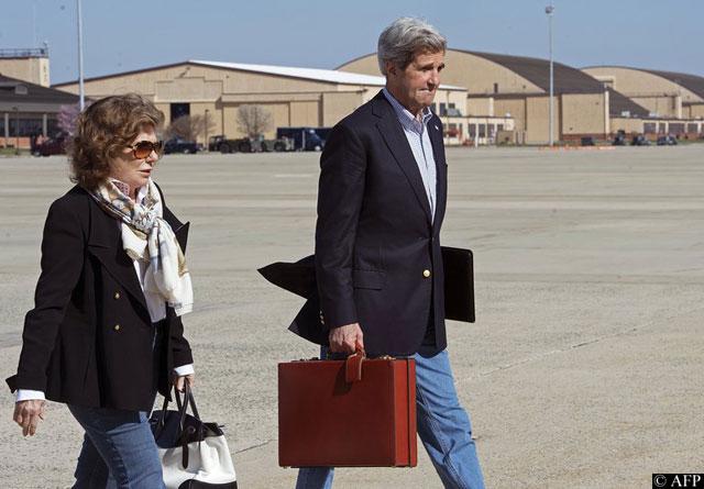 Зачем Джон Керри едет в Болгарию