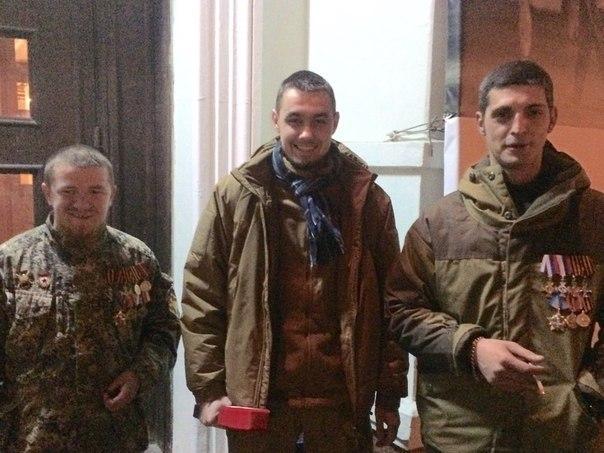 Моторолу и Гиви за боевые заслуги наградили высшим орденом - Звездой Героя!