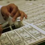 СМИ: Казахстан намерен отказаться от доллара