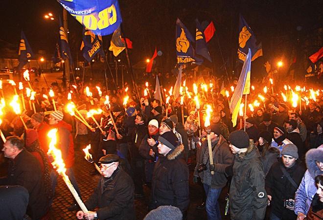 Факельный марш в честь С.Бандеры прошел в Киеве