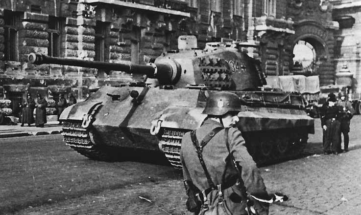 Британские танки в Афинах, декабрь 1944.