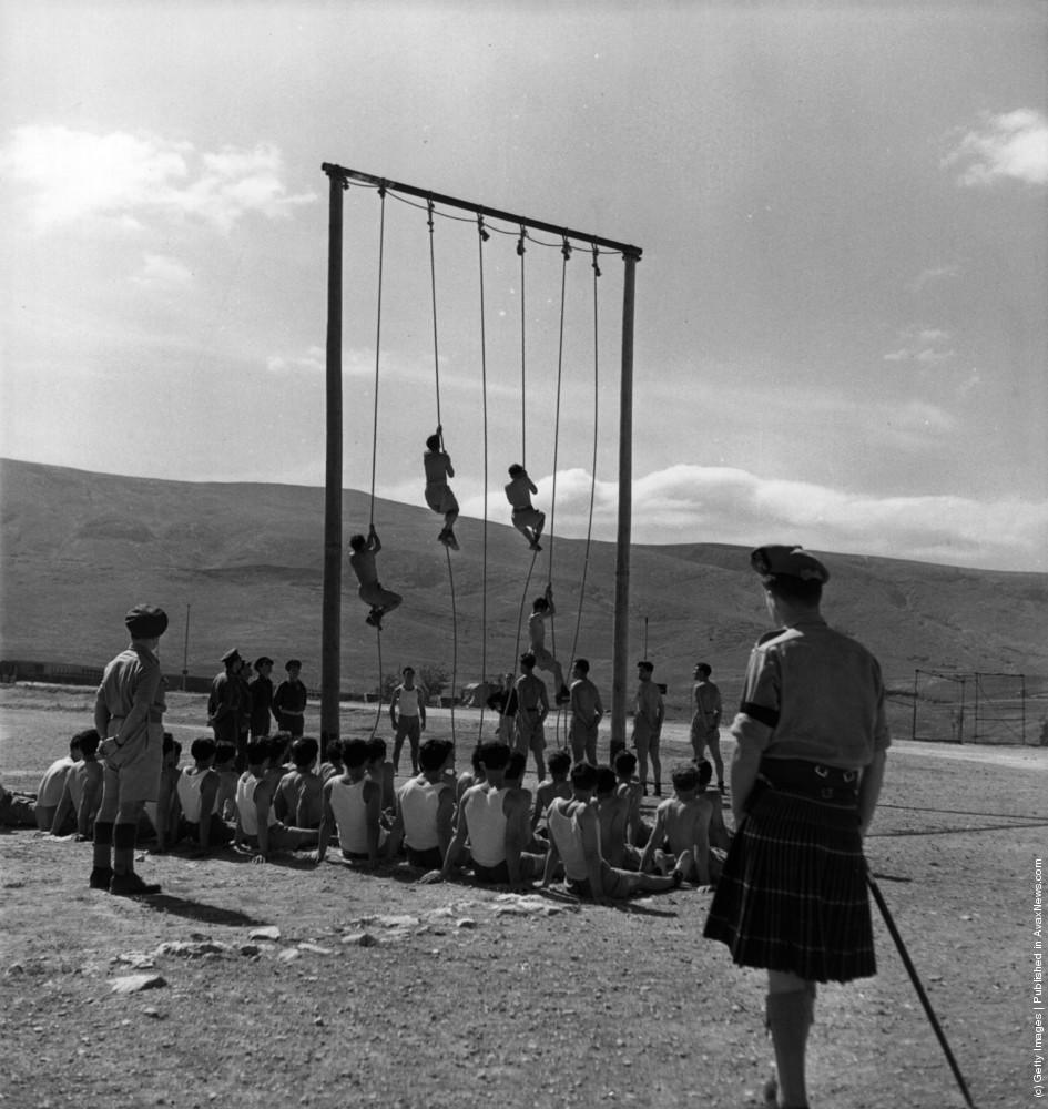 Британские офицеры обучают греческую армию. 1947 г. Источник