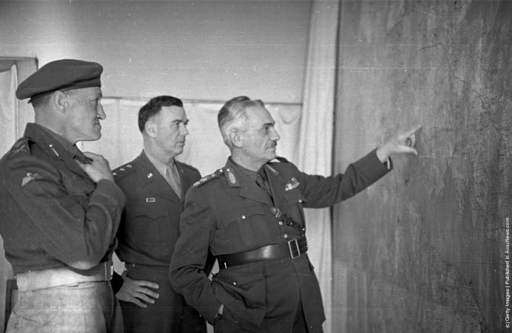 Греческий, британский и американский генералы. 22 мая 1948 г. Источник