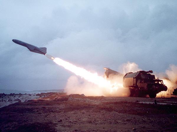 Стрельба ракетами «Оникс»