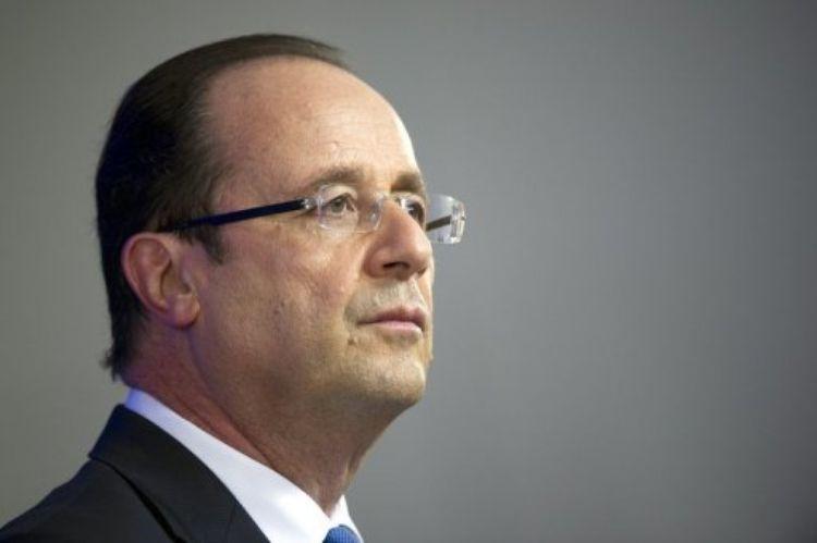 434551-francois-hollande-repond-aux-questions-des-journalistes-lors-d-un-sommet-europeen-a-bruxelles-le-24-