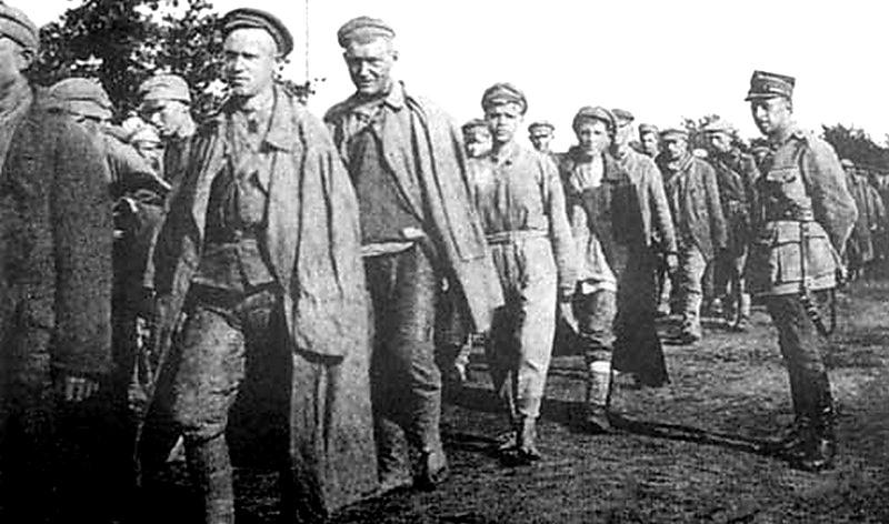 Tuchola_1919_russian_pow_go